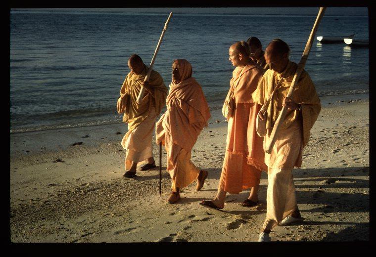 """История из жизни Прабхупады """"Да ты никогда не вылезал из майи!"""""""